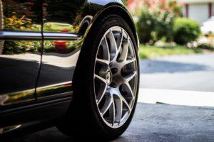 podjazd, samochód, żywica poliuretanowa, systemy poliuretanowe